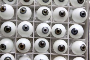Kassel-Germany-Glass-eyes-002