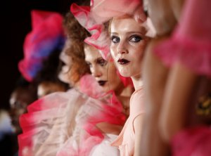 Models-wear-spring-2010-f-006